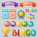 Reeks van bingo of loterijspel met ballen en kaarten Stock Foto's