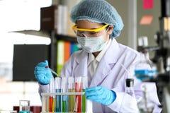 Reeks van Chemische buisontwikkeling en apotheek in laboratorium, bioc royalty-vrije stock afbeeldingen
