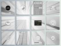 Reeks van 12 creatieve kaarten, het vierkante ontwerp van het brochuremalplaatje Abstracte lijnenachtergrond, eenvoudige zwart-wi Stock Foto's