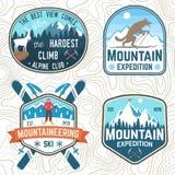 Reeks van de bergexpeditie en snowboard club flarden Vector Concept voor overhemd of kenteken, druk Uitstekende typografie vector illustratie