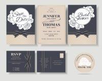 Reeks van de Uitnodigingskaart van het Luxe Marineblauwe Huwelijk met Rozendecoratie Stock Fotografie
