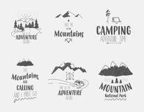 Reeks van 6 eenvoudige en koele het kamperen en reisillustraties Royalty-vrije Stock Foto