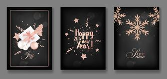 Reeks van Elegant Vrolijk Kerstmis en Nieuwjaar 2019 Kaarten met Kerstmisballen, Sterren, Sneeuwvlokken voor groeten, uitnodiging royalty-vrije illustratie