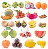 Reeks van fruit op witte achtergrond stock afbeelding