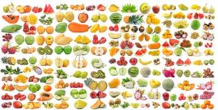 Reeks van fruit op witte achtergrond wordt geïsoleerd die Royalty-vrije Stock Foto's