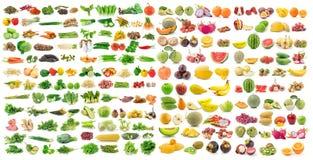 Reeks van groente en fruit op witte achtergrond Stock Foto's