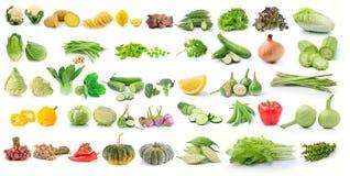 Reeks van groente op witte achtergrond wordt geïsoleerd die Royalty-vrije Stock Afbeelding