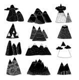 Reeks van hand Getrokken bergen vectorillustratie Stock Afbeeldingen