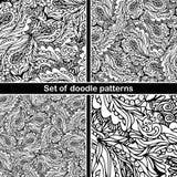 Reeks van hand getrokken krabbelpatroon in vector Zentangleachtergrond Naadloze abstracte textuur Etnisch krabbelontwerp met henn Stock Fotografie