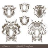 Reeks van haraldic heraldisch wapenschild met leeuwen en uitstekende wapens Stock Fotografie