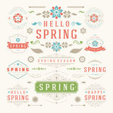 Reeks van het de lente de Typografische Ontwerp Retro en Uitstekende Stijlmalplaatjes Stock Foto's