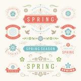 Reeks van het de lente de Typografische Ontwerp Retro en Uitstekende Stijlmalplaatjes Royalty-vrije Stock Foto's