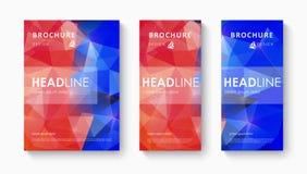 Reeks van het malplaatje van het brochureontwerp met driehoekige achtergronden Royalty-vrije Stock Afbeeldingen