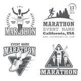Reeks van het runnen van marathon en het aanstoten van emblemen vector illustratie