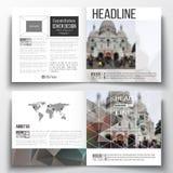 Reeks van het vierkante malplaatje van de ontwerpbrochure Veelhoekige achtergrond, vaag beeld, kathedraal sakre-Ker, cityscape va Stock Fotografie