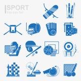 Reeks van het vlakke pictogram van de ontwerpsport met de geïsoleerde blauwe inventaris en de sportuitrusting van de silhouetspor Stock Foto's