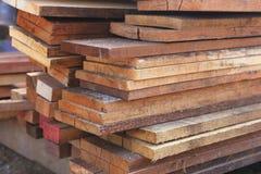 Reeks van houten pijnboomhout voor de bouwbouw stock afbeelding