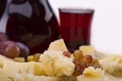 Reeks van kaas, druiven en rode wijn royalty-vrije stock foto