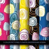 Reeks van 5 kleurenpatronen met bloemen en abstracte decoratieve Gr Stock Afbeeldingen