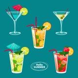Reeks van kleurrijke schets van alcoholcocktails en andere dranken Stock Afbeelding