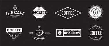 Reeks van koffieetiket Verschillend embleem, kenteken, embleeminzameling op zwarte achtergrond Vector zwart-witte illustraties Stock Afbeelding