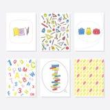 Reeks van 6 Leuke Creatieve Kaartenmalplaatjes met School en Autumn Theme Design Hand Getrokken Kaart voor Verjaardag, Verjaardag Royalty-vrije Stock Foto's