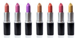 Reeks van lippenstift op witte achtergrond wordt geïsoleerd die stock fotografie