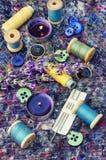 Reeks van naaisters en boeket van lavendel stock foto