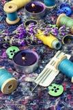Reeks van naaisters en een boeket van lavendel stock foto