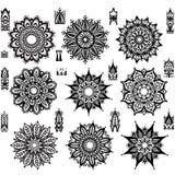 Reeks van rond ornamentpatroon met borstel royalty-vrije illustratie