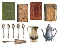 Reeks van 12 schitterende oude uitstekende punten Uitstekende boeken, theelepeltjes, uitstekende metaalketels en cakespatel Geïso royalty-vrije stock afbeelding