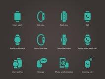Reeks van slim horloge met slimme geplaatste interfacepictogrammen Royalty-vrije Stock Foto's