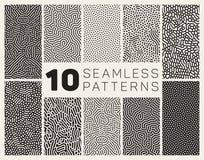 Reeks van Tien Vector Naadloos Zwart-wit Organisch Rond gemaakt Allegaartje Maze Lines Patterns Stock Afbeelding