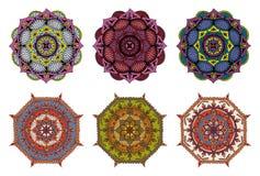 Reeks van 6 vector kleurrijke hand getrokken mandalas stock illustratie