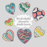Reeks van vectorillustratie van krabbel de kleurrijke harten royalty-vrije illustratie