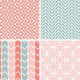 Reeks van vier grijze roze geometrische patronen en Royalty-vrije Stock Foto's