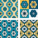 Reeks van vier patronen met abstracte bloemen Royalty-vrije Stock Fotografie