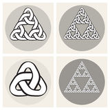 Reeks van Vier Vector Keltische Verwevende Elementen van het de Knopenontwerp van de Lijndriehoek royalty-vrije illustratie