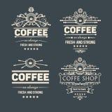 Reeks van vier vector in koffiekentekens en etiketten Royalty-vrije Stock Afbeelding
