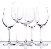Reeks van vijf lege wijnglazen Royalty-vrije Stock Fotografie