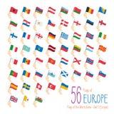 Reeks van 56 vlaggen van Europa Hand die de nationale vlaggen van 56 landen van Europa opheffen Stock Afbeeldingen