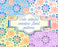 Reeks van zes naadloze bloemenpatronen in verschillende bleke kleuren Stock Afbeelding