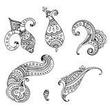 Reeks van zes zwarte de krabbelhand getrokken elementen van lijn Indische Paisley Vector Illustratie
