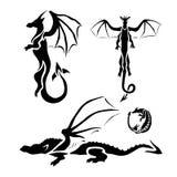 Reeks vector zwarte grafische draken Stock Afbeelding