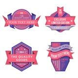 Reeks vectorembleem roze retro etiketten en uitstekende stijlbanners Stock Foto's