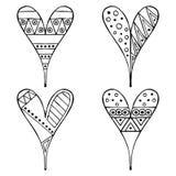 Reeks vectorhand getrokken decoratieve gestileerde zwart-witte kinderachtige harten Krabbelstijl, grafische illustratie Sier leuk Stock Afbeelding