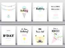 Reeks verjaardagskaarten, uitnodiging, affiche, groet, malplaatje, dieren, cake, kaars, poper, Vectorillustraties Stock Foto