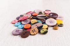 Reeks verschillende gekleurde knopen Stock Fotografie