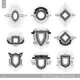 Reeks verschillende geometrische schilden met lichte straal Stock Afbeeldingen
