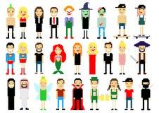 Reeks verschillende karakters van de pixelkunst op wit Vector illustratie De pictogrammen van mensen Halloween magisch Stock Afbeelding